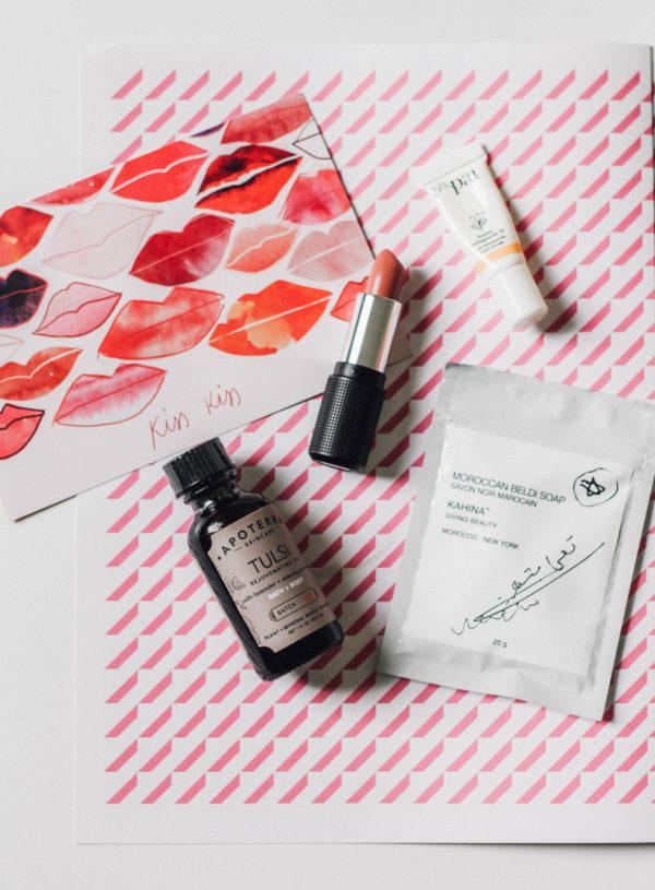 Petit Vour's October 2016 Beauty Box